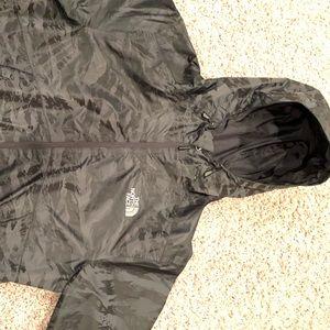 Men's North Face Windbreaker/Rain jacket.